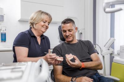 Zahnärzte Lindlar - Genßler, Welzel, Cosler - Leistungen unserer Praxis - Implantologie