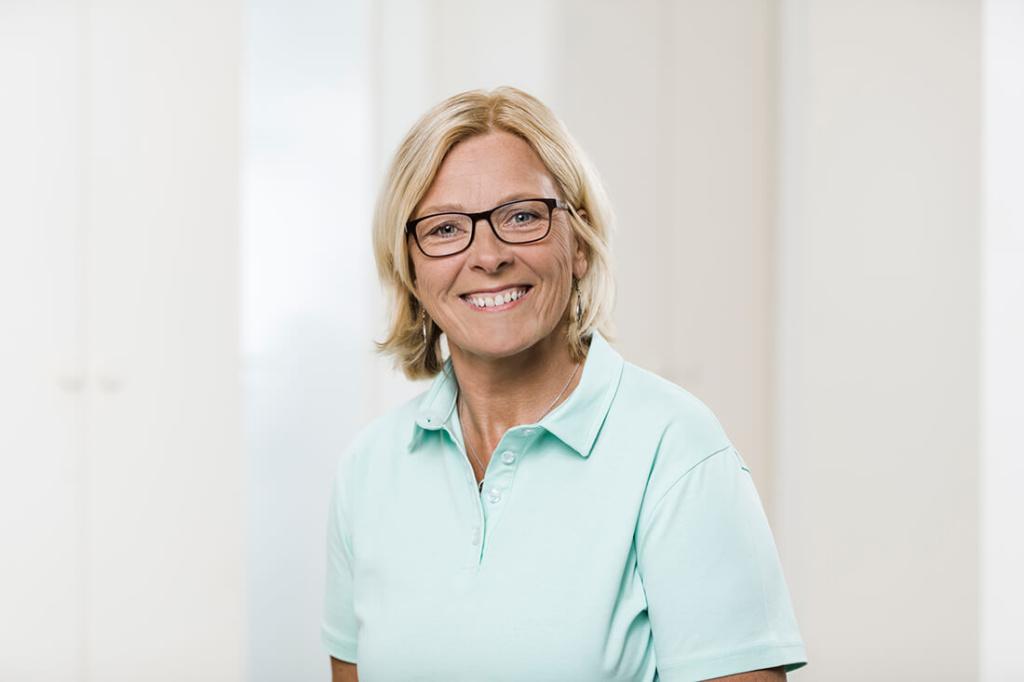 Zahnärzte Lindlar - Genßler, Welzel, Cosler - Team - Ilona