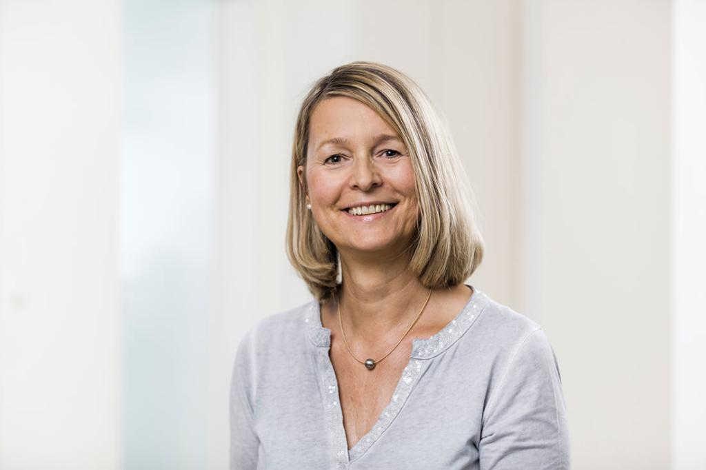 Zahnärzte Lindlar - Genßler, Welzel, Cosler - Team - Iris